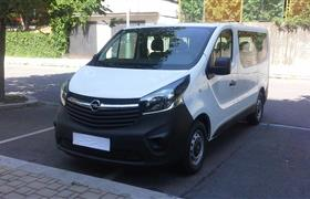 Opel Vivaro Passenger photo